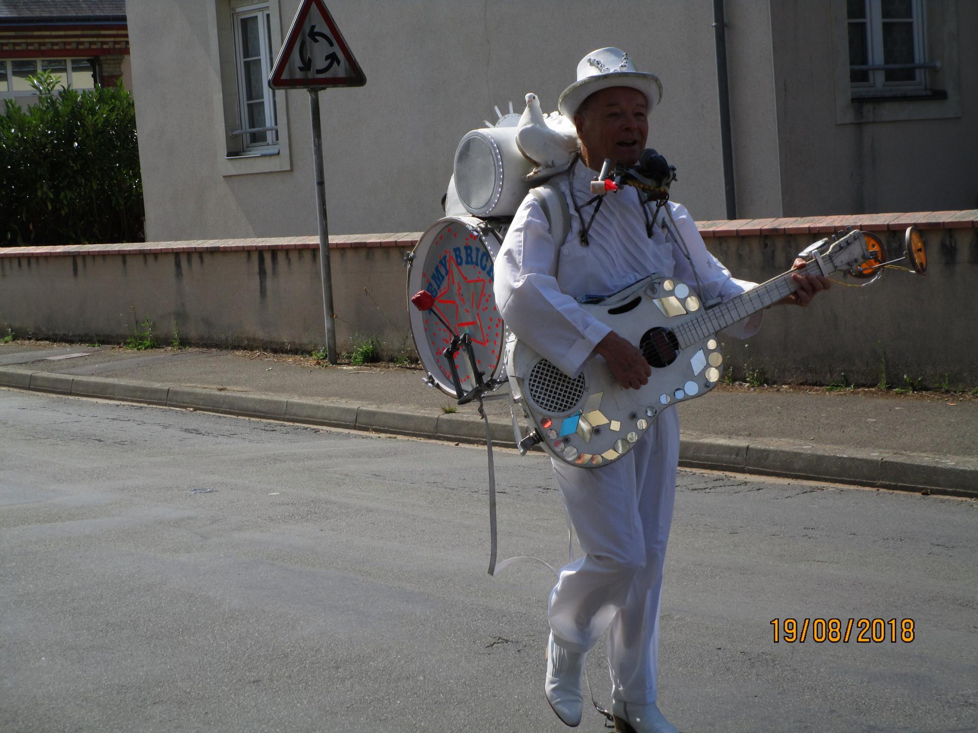L'homme orchestre Rémy Bricka